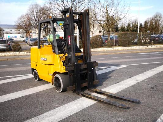 Four wheel front forklift Caterpillar GC55K - 1