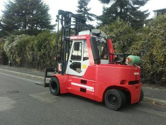 Four wheel counterbalanced forklift Mora M100C - 3