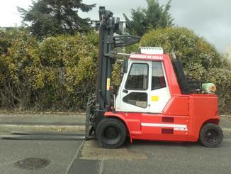Four wheel counterbalanced forklift Mora M100C - 2