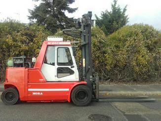 Four wheel counterbalanced forklift Mora M100C - 4