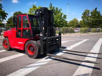 Four wheel counterbalanced forklift Hangcha XF100D - 1