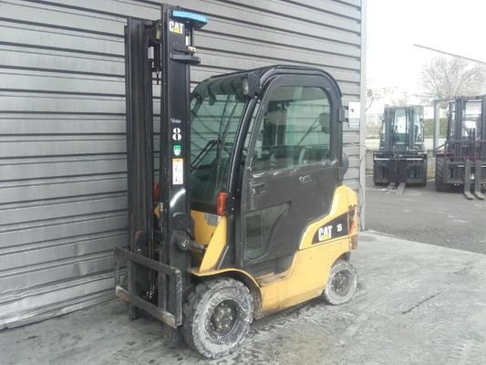 Four wheel front forklift Caterpillar GP15N - 1