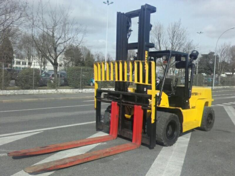 Four wheel counterbalanced forklift Hyster H7.00XL - 1