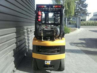 Four wheel front forklift Caterpillar GP15N - 3