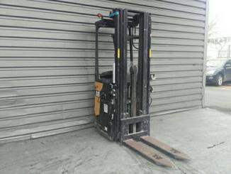 Stand-on pallet stacker Caterpillar NSR20N - 9