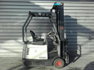 Three wheel counterbalanced forklift Crown SC4220-1,6 - 3