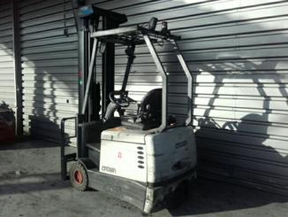 Three wheel counterbalanced forklift Crown SC4220-1,6 - 2