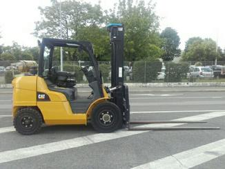 Four wheel counterbalanced forklift Caterpillar GP40NT - 3