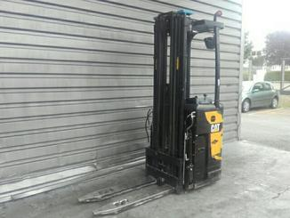 Stand-on pallet stacker Caterpillar NSR16N - 1