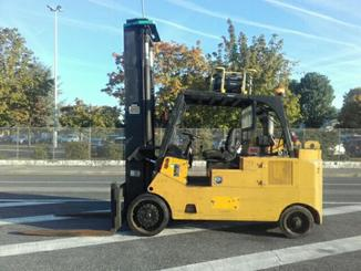 Four wheel counterbalanced forklift Royal T225B - 2