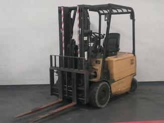 Four wheel counterbalanced forklift Caterpillar EP25K-PAC - 1