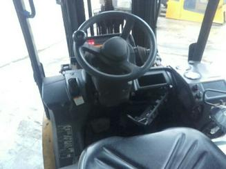 Four wheel counterbalanced forklift Caterpillar GP25N - 2