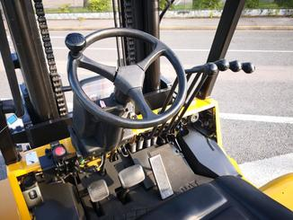 Four wheel counterbalanced forklift Caterpillar GC70KY-LP - 6