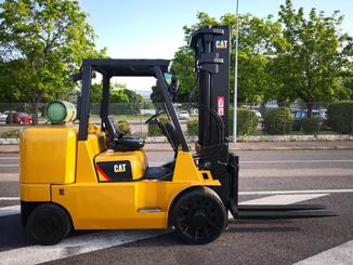 Four wheel counterbalanced forklift Caterpillar GC70KY-LP - 4