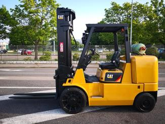 Four wheel counterbalanced forklift Caterpillar GC70KY-LP - 2
