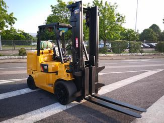 Four wheel counterbalanced forklift Caterpillar GC70KY-LP - 1
