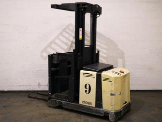 Man-up order picker Crown LP3520 - 1