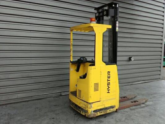 Sit-on pallet stacker with rider seated Hyster RS 1.5 - 1