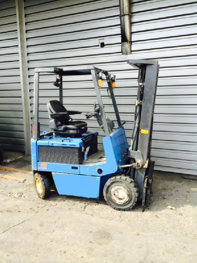 Four wheel counterbalanced forklift Nissan Fpo1l15u - 1