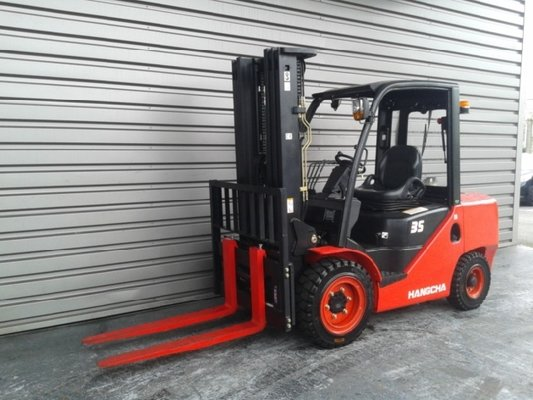 Four wheel front forklift Hangcha XF35DMS - 1