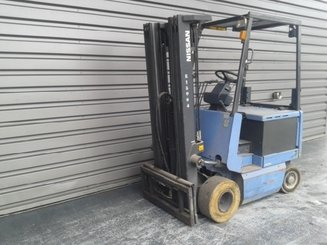 Four wheel counterbalanced forklift Nissan FPO1R16U - 1