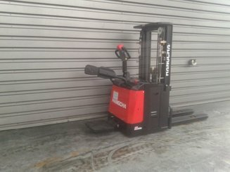 Stacker truck with folding platform Hangcha CDD16 ES - 4