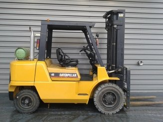 Four wheel counterbalanced forklift Caterpillar GP45K - 2