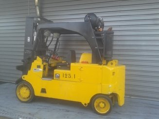 Four wheel counterbalanced forklift Royal T165C - 1