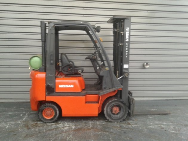 Four wheel counterbalanced forklift Nissan PDO1A18PQ - 1