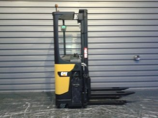 Pallet stacker with rider platform Caterpillar NSR16N - 5