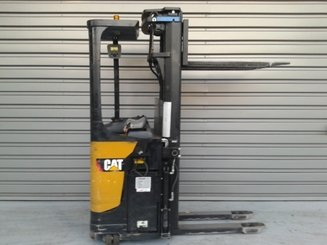 Pallet stacker with rider platform Caterpillar NSR20N - 3