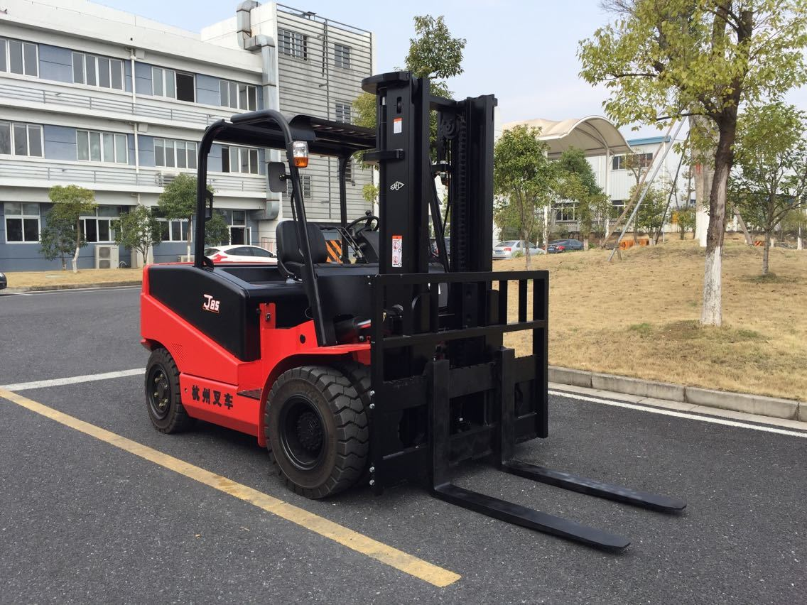 Four wheel front forklift Hangcha J4W85 - 1