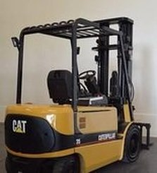 Four wheel counterbalanced forklift Caterpillar EP30K-PAC - 1