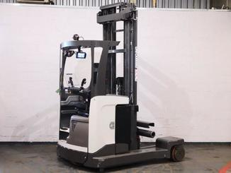 Multi-directional retractable mast reach truck UniCarriers 250DTFVRE635UFW - 3