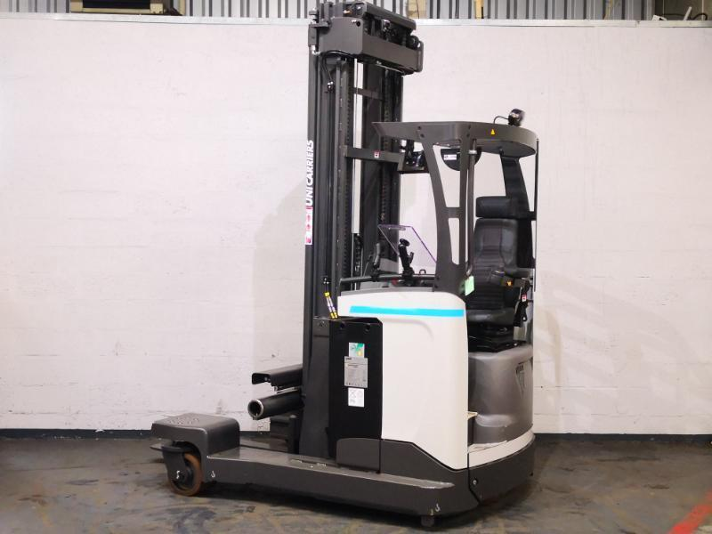 Multi-directional retractable mast reach truck UniCarriers 250DTFVRE635UFW - 1