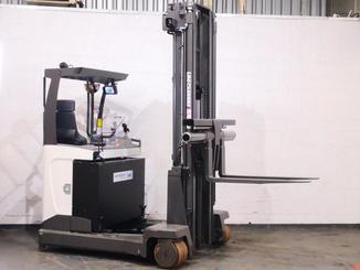 Multi-directional retractable mast reach truck UniCarriers 250DTFVRE635UFW - 4