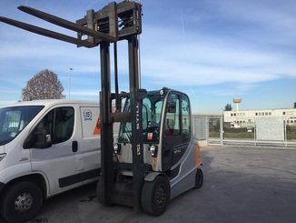 Four wheel counterbalanced forklift STILL RX60-40 - 2