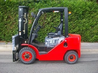Four wheel front forklift Hangcha XF25D - 1