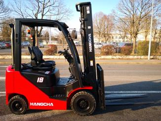 Four wheel counterbalanced forklift Hangcha XF18D - 3