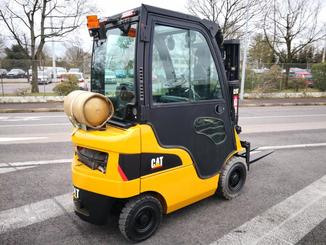 Four wheel counterbalanced forklift Caterpillar GP15N - 4