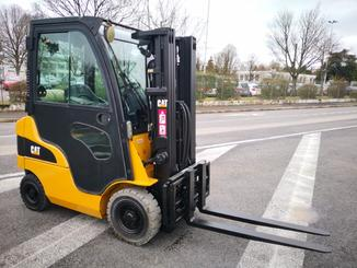 Four wheel counterbalanced forklift Caterpillar GP15N - 1