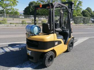 Four wheel front forklift Caterpillar GP25N - 5