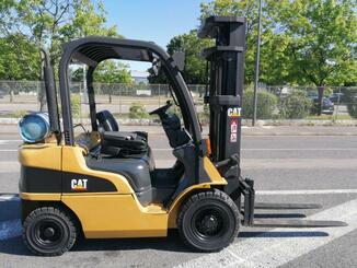 Four wheel front forklift Caterpillar GP25N - 3
