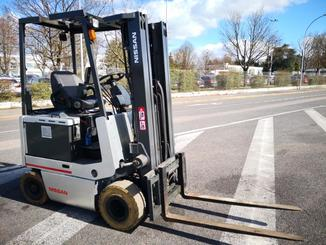 Four wheel counterbalanced forklift Nissan FPO1R15U - 1