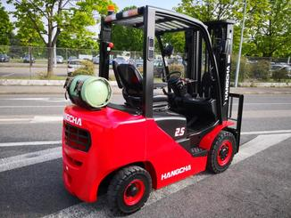 Four wheel counterbalanced forklift Hangcha XF25G - 5