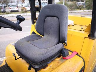 Four wheel front forklift Caterpillar GC45 - 4