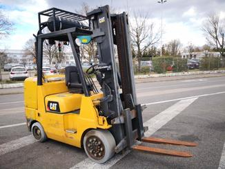 Four wheel front forklift Caterpillar GC45 - 1