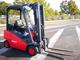 Four wheel counterbalanced forklift Fenwick H20T - 1