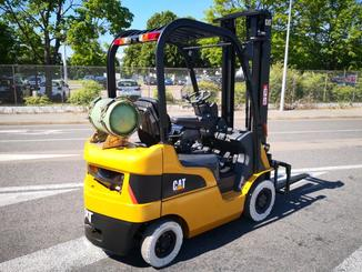 Four wheel counterbalanced forklift Caterpillar GP18N - 4