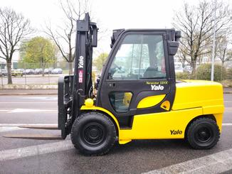 Four wheel counterbalanced forklift Yale GDP55VX - 2